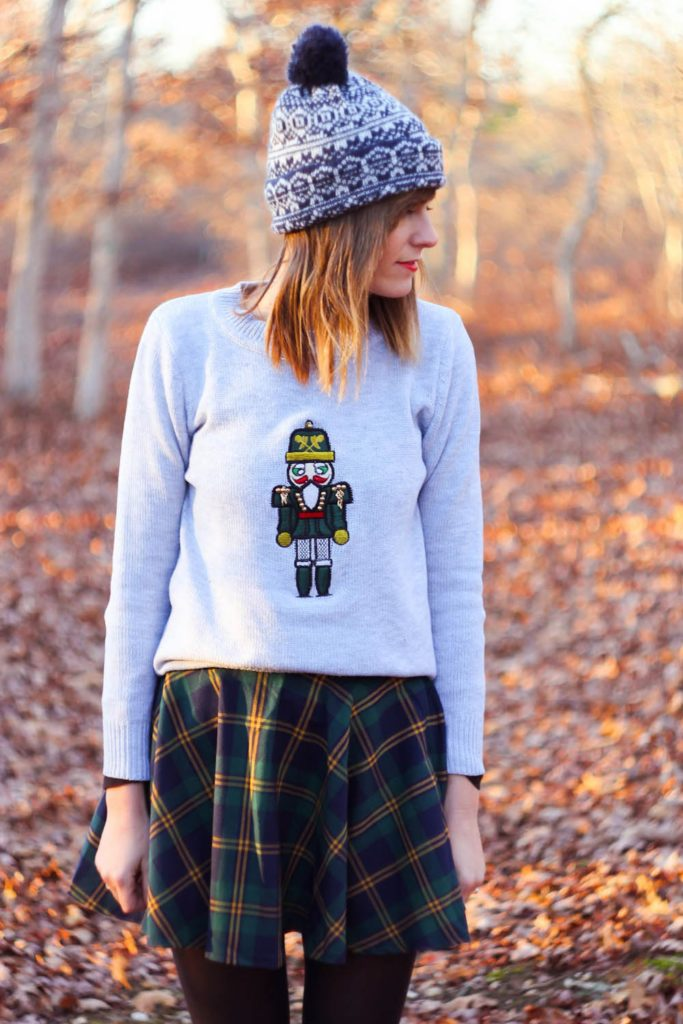 chicwish plaid skirt, larmoni nutcracker sweater, fall outfit photo, nyc blog, nyc vintage blog, vintage fashion blog