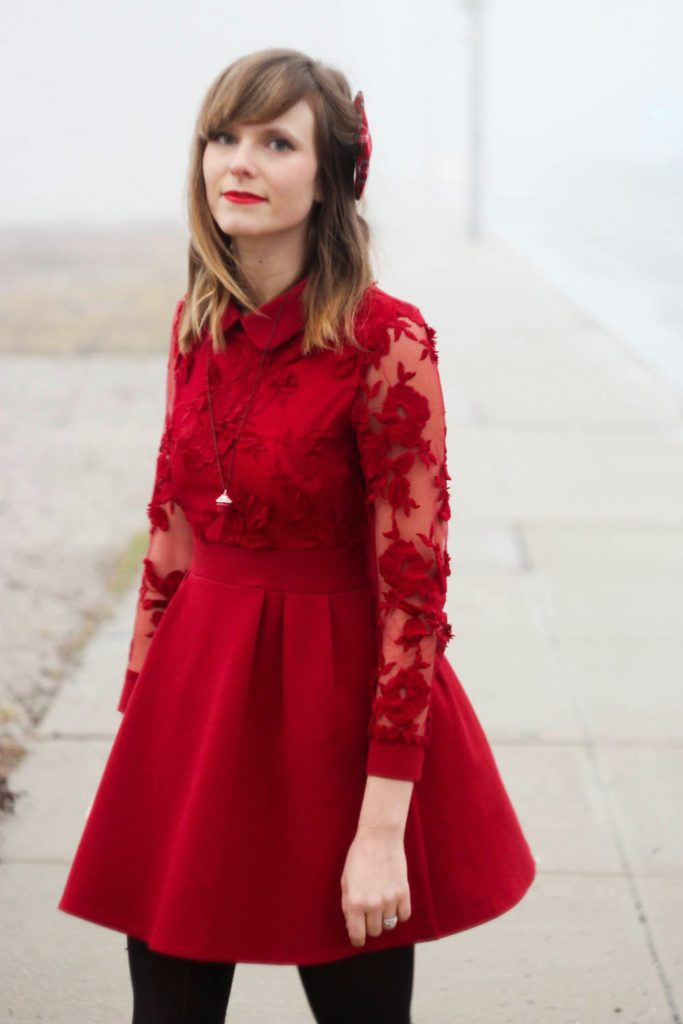 red peter pan collar dress, chicwish dress, plaid hair bow, nyc vintage blog, vintage fashion blog, nyc fashion blog