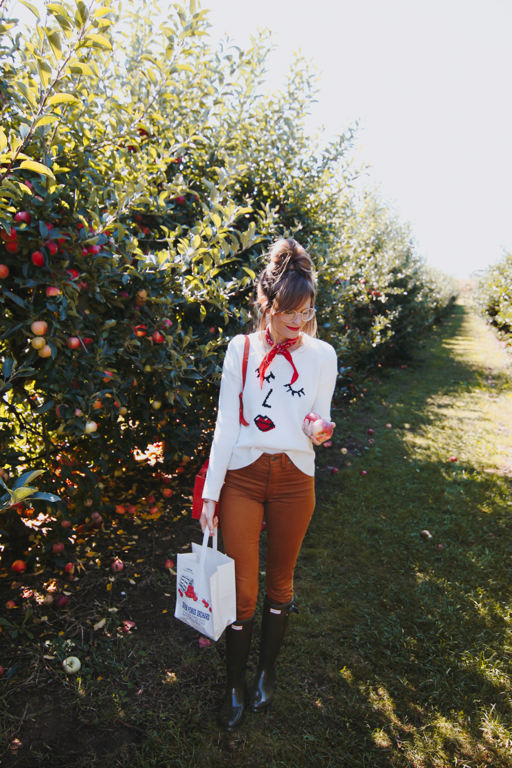 Seven Ponds Orchard, apple picking outfit