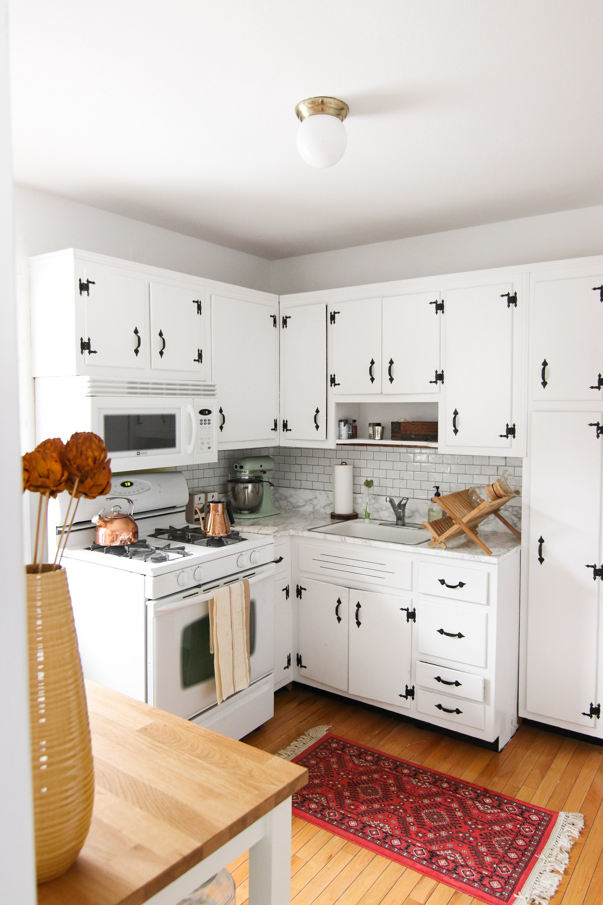 Kitchen Before + After: How I Painted My Kitchen Cabinets White